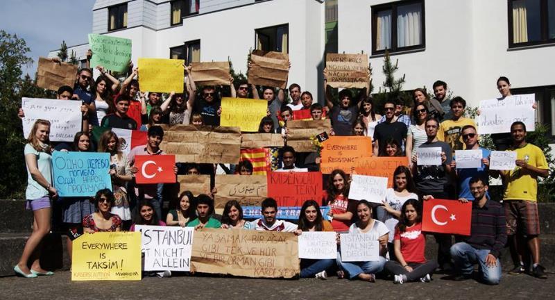 Her yer Taksim, Her yer Direniş 13