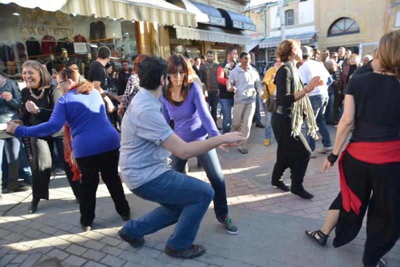 Lefkoşa danslarla bütünleşti 6