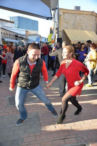 Lefkoşa danslarla bütünleşti 8
