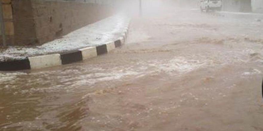 Şiddetli yağmur ve dolu Omorfo'yu vurdu