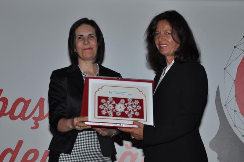Başarılı kadın girişimciler ödüllendirildi 7
