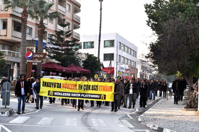 Nükleere karşı yürüyüş 6