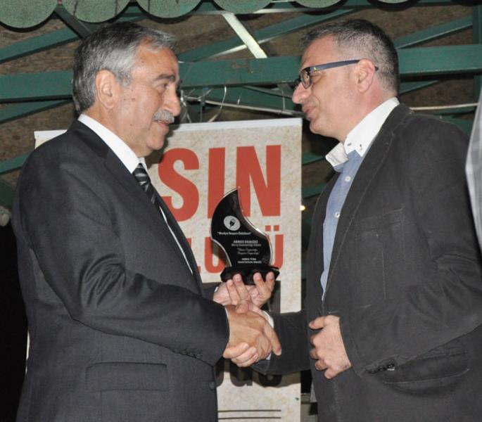 United Medyaya 3 ödül 6