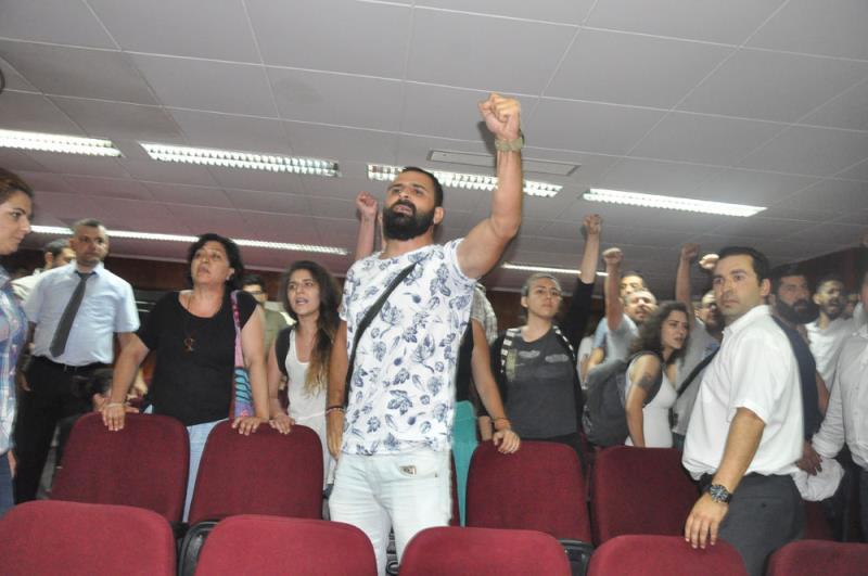 Gençler direndi, hükümet kulak tıkadı 11