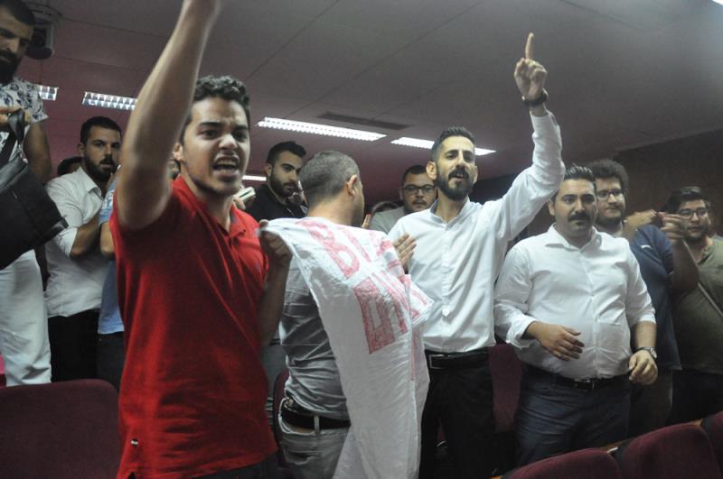 Gençler direndi, hükümet kulak tıkadı 36