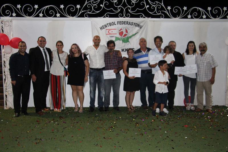 Hentbolda ödüller verildi 10