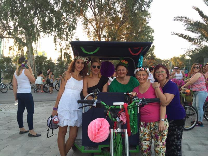 Kadınlar, bisikletleri ile sokaklardaydı 10