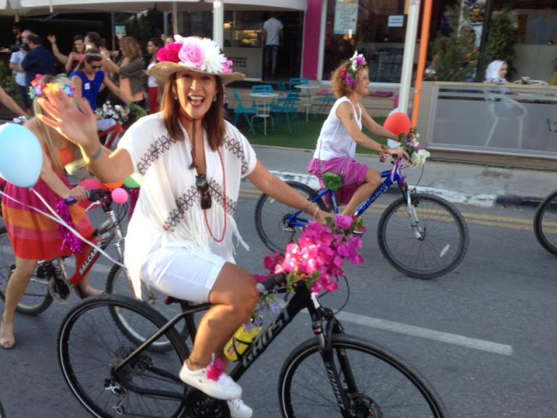Kadınlar, bisikletleri ile sokaklardaydı 19