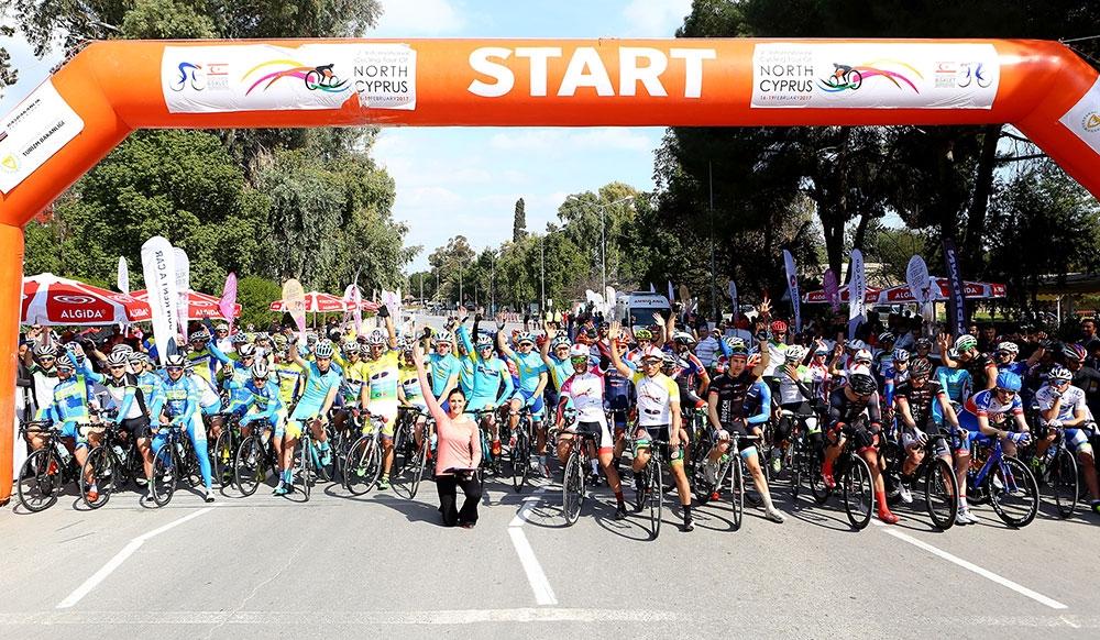 Kıbrıs'ın kuzeyi bisiklete doydu 1