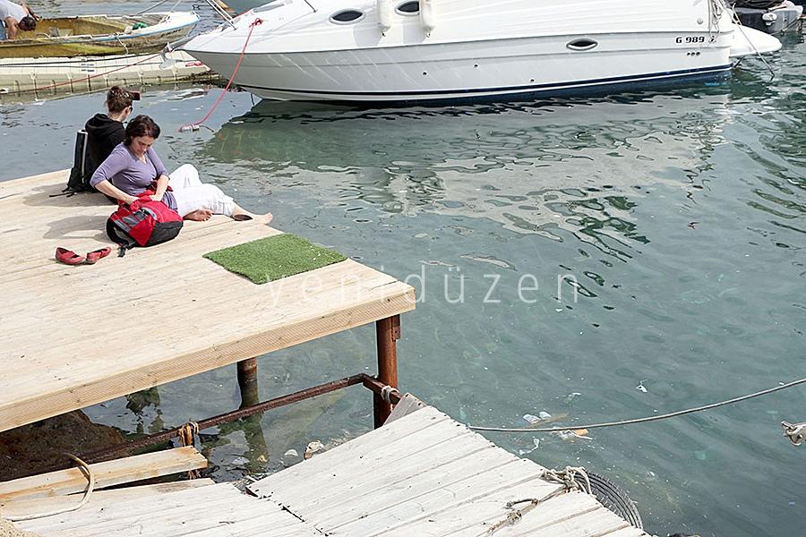 Turistler pis denizi seyrediyor! 2