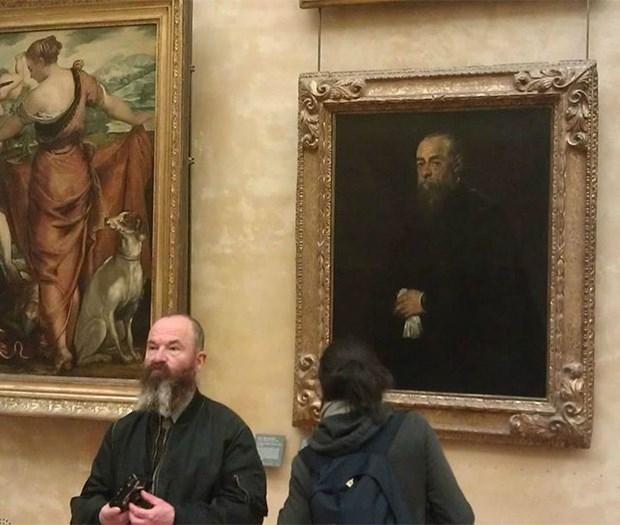 İkiziniz bir sanat müzesinde olabilir 20