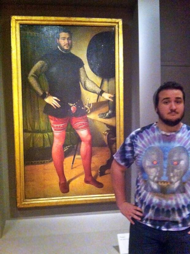 İkiziniz bir sanat müzesinde olabilir 3