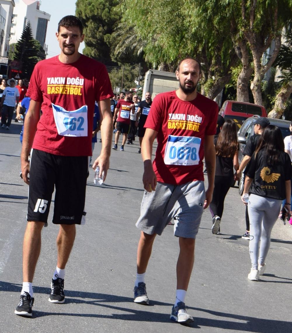 Lefkoşa Turkcell ile Koşuyor Maratonuı 19