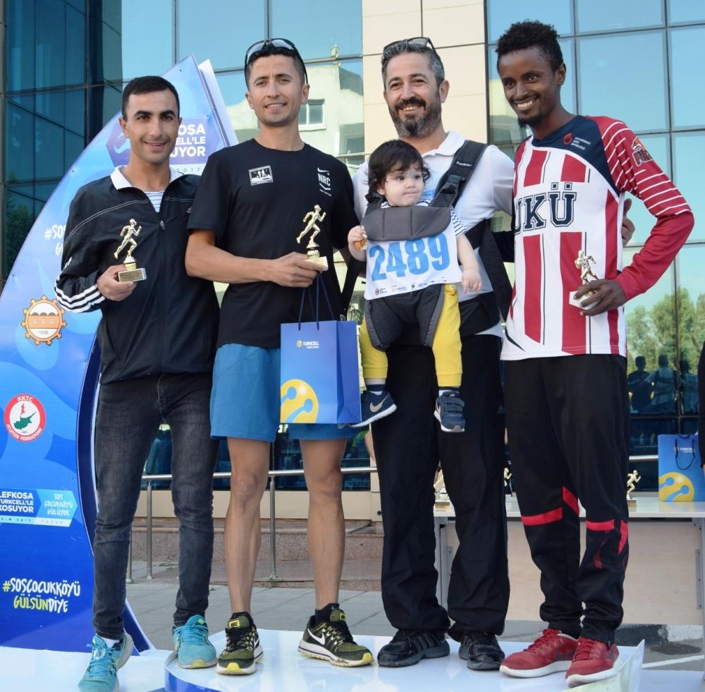 Lefkoşa Turkcell ile Koşuyor Maratonuı 25