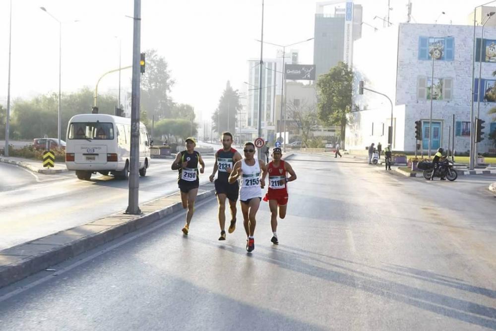 Lefkoşa Turkcell ile Koşuyor Maratonuı 5