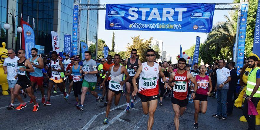 Lefkoşa Turkcell ile Koşuyor Maratonuı