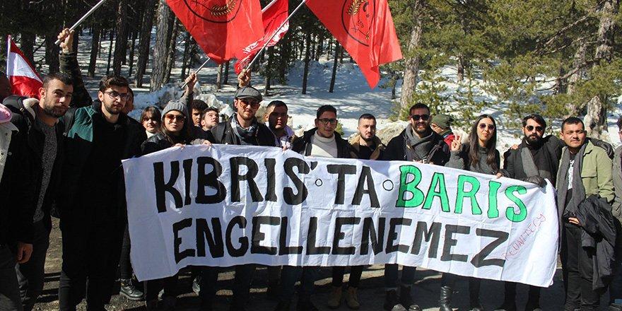 Gençler, Federal Kıbrıs taleplerini Trodos'tan haykırdı
