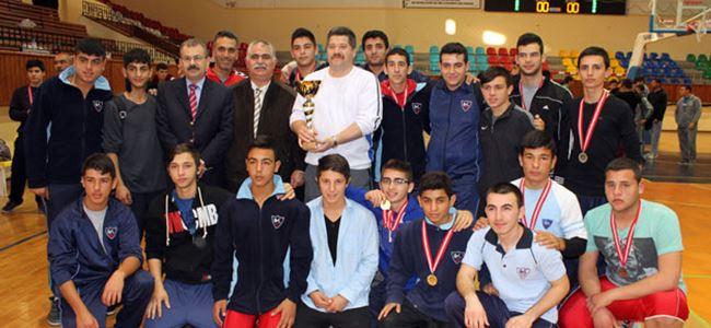 Atatürk Meslek Lisesi şampiyon