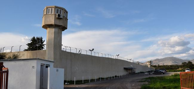 Mahkumlar Açlık Grevinde