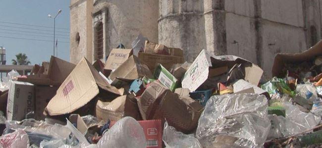 Dipkarpazda çöpler dağ oldu