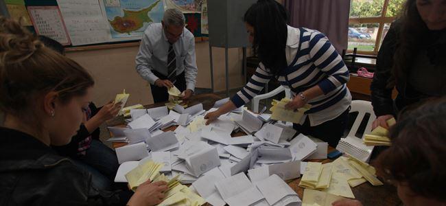 """""""Oy kullanmak için resmi belge şart"""""""