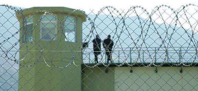 3 bin mahkum cezaevlerinde açlık grevi başlattı