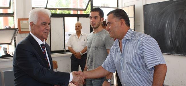 Eroğlu, seçim yarışana  katılan herkesi kutladı