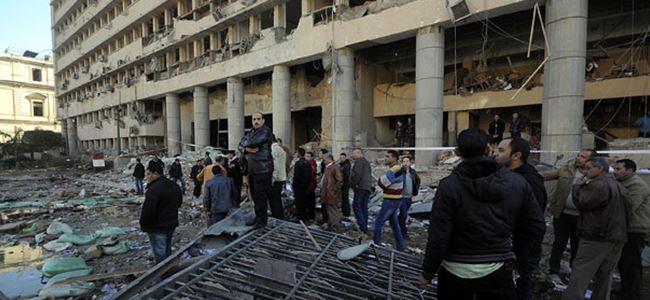 Patlamada 1 polis hayatını kaybetti, 3 polis yaralandı