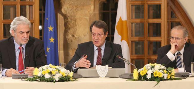 Anastasiadis, Dragi ve Juncker ile görüşecek