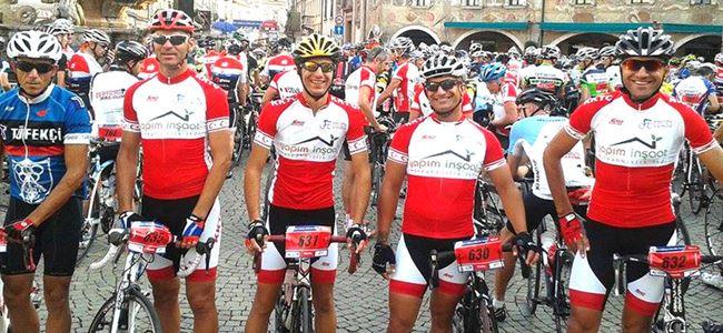 Bisikletçiler İtalya'da yarıştı