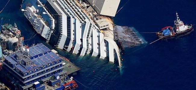 Costa Concordia enkazı taşınıyor