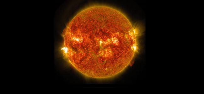 Güneşte yaşanan patlama görüntülendi!