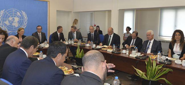 Türkiye inisiyatifler üstlenerek Kıbrıs sorununu çözebilir