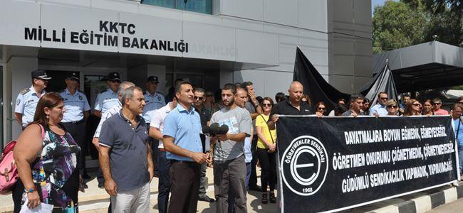 Veliler Arabacıoğluna seslendi: İstifa etme