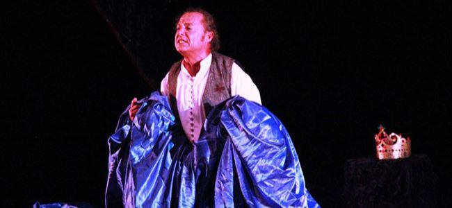 Hamlet tiyatroseverlerle buluştu