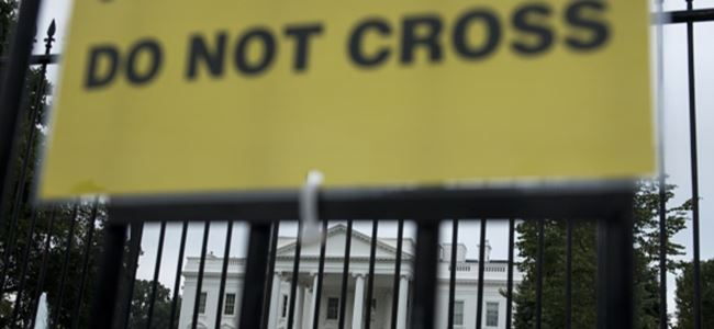 Ebola ABD'ye sıçradı, Beyaz Saray alarma geçti