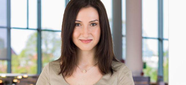 Yeni Eğitim Bakanı 27 yaşındaki Aida Hadzialic oldu