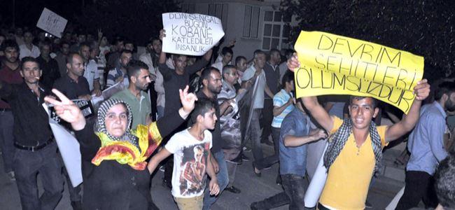 Yüzlerce eylemci Kobani için sokakta