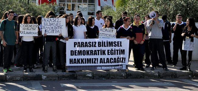 Öğrenciler Demokratik Eğitim için sokakta