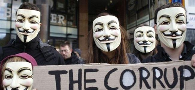 GuyFawkes ile kapitalizm karşıtı protesto yürüyüşü