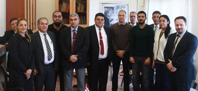 Berova Kıbrıslı öğrencilerle de görüştü