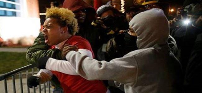 Jürinin Ferguson kararı halkı sokağa döktü