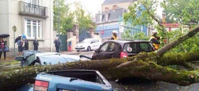 Fransada yağışlar can aldı