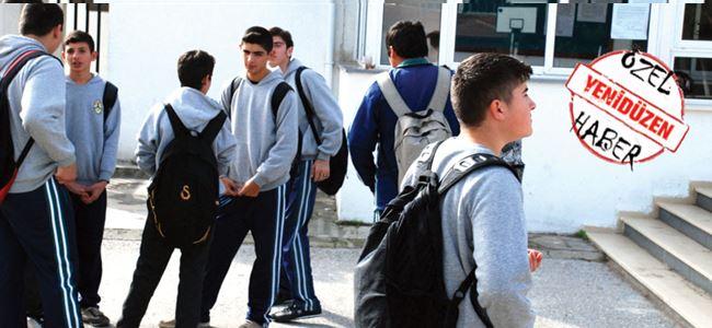 Öğrenciler 'askerlik'ten mutsuz