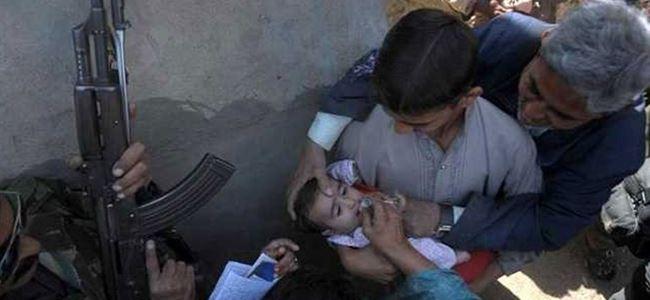 Çocuk aşısı yapan ekibe saldırı