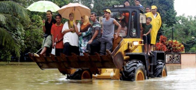 Malezyada selden 106 bin kişi tahliye edildi
