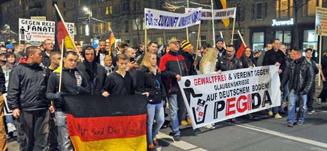 Almanyada PEGIDAya karşı yürüyüş