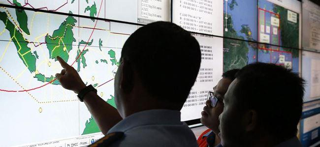 AirAsia uçağı arama çalışmalarında büyük cisimler bulundu
