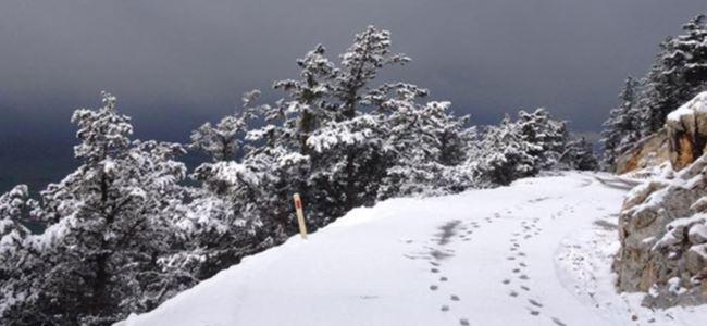Beşparmak Dağlarına kar yağdı