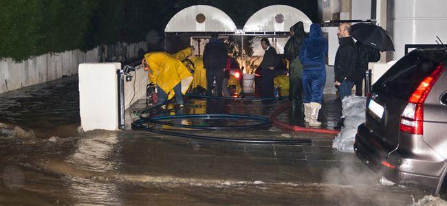 Güney'de yağış ve fırtına etkili oldu